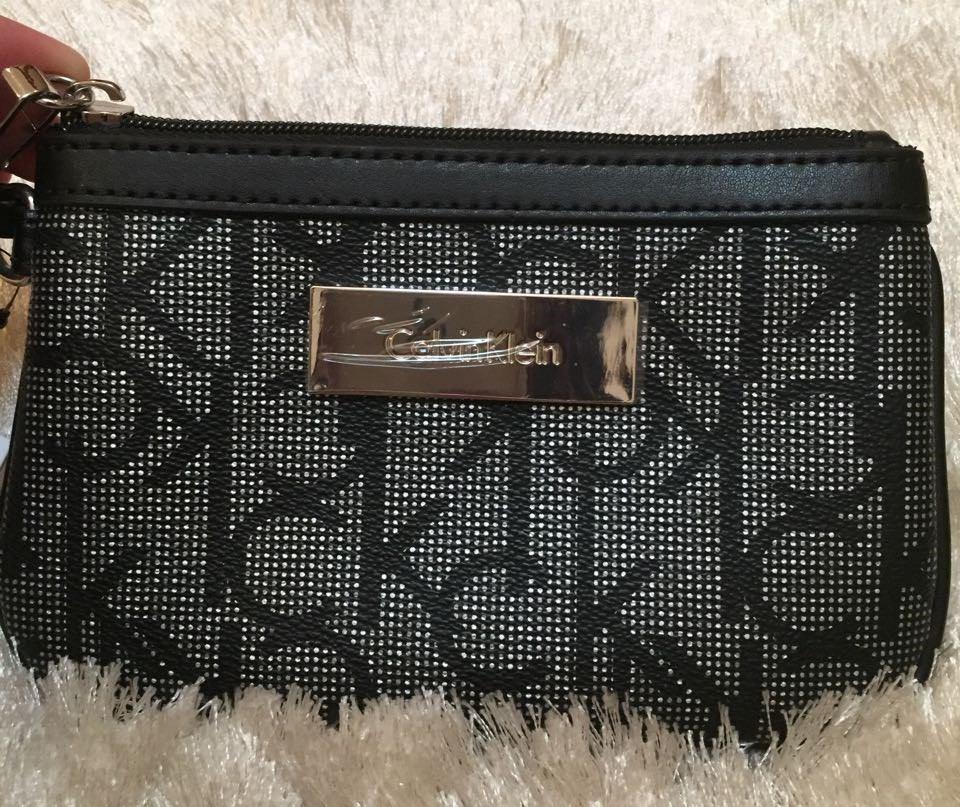 143ceb263 Bolsa De Mão Calvin Klein- Preta - R$ 190,00 em Mercado Livre