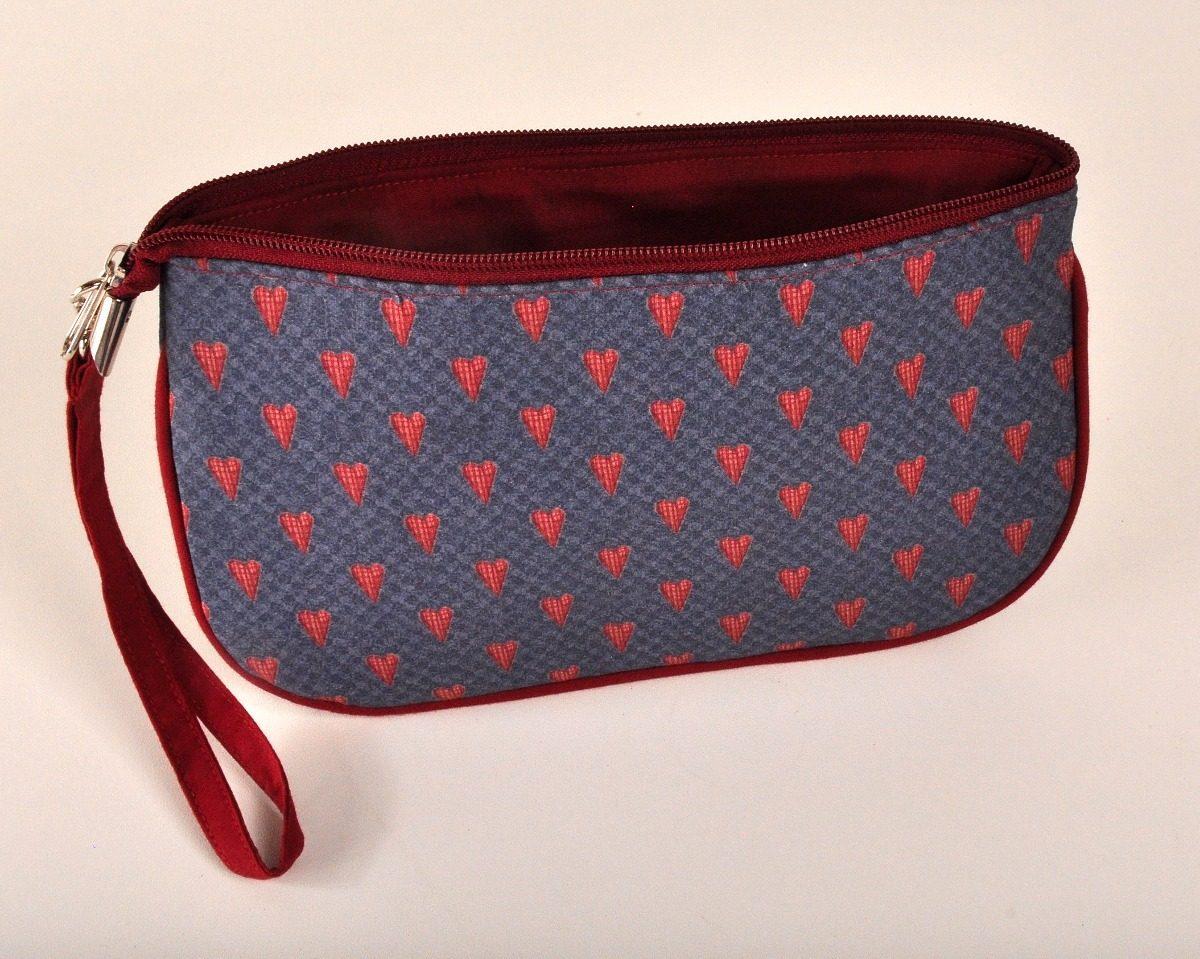 86a2e93a3 Bolsa De Mão Carteira Patchwork Artesanal Azul Com Corações - R$ 45 ...