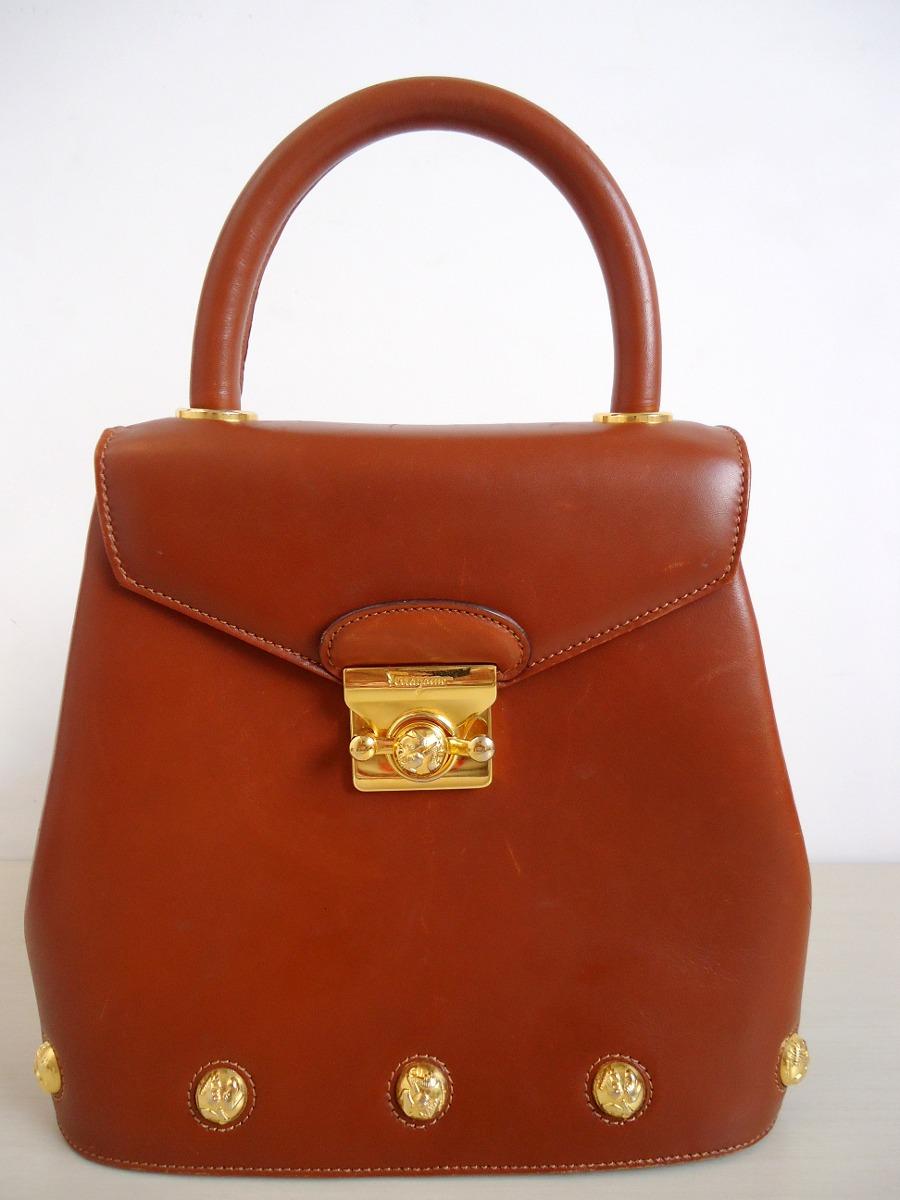 bolsa de mão em couro natural salvatore ferragamo (marrom)!! Carregando  zoom. 4d026612fa