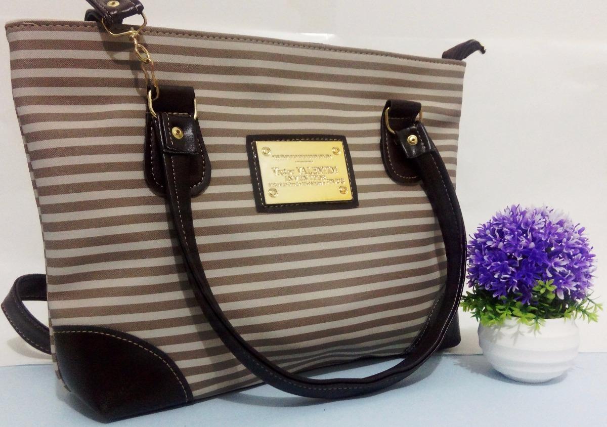 2230f15fc bolsa de mão linha classic couro sintético bege branca fbf. Carregando zoom.