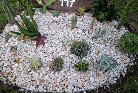 Piedritas para jardin bloque fuente cascada piedras agua for Bolsa de piedras decorativas