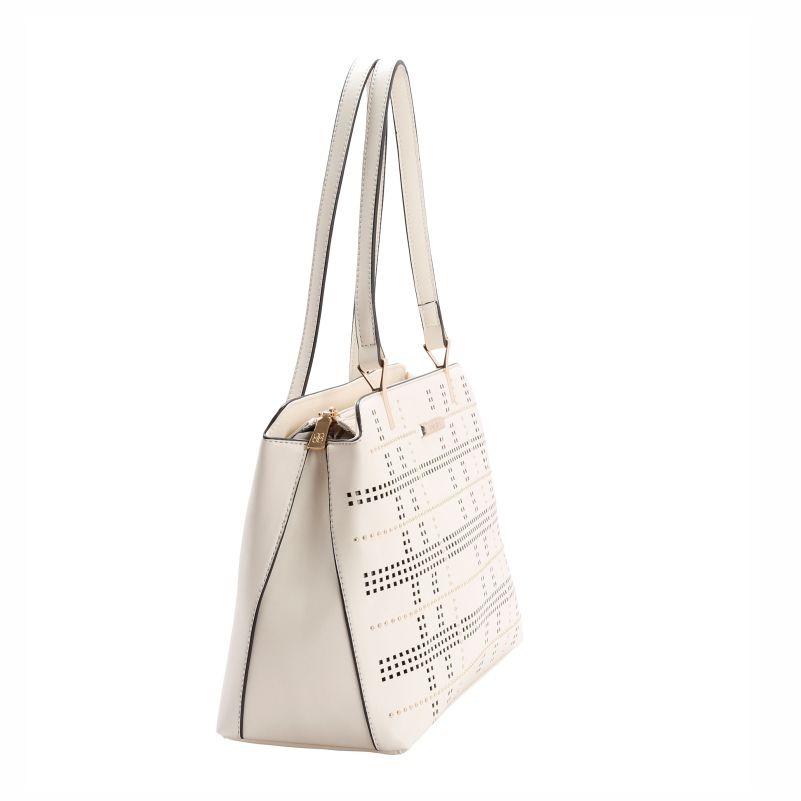 92d12caf0 Bolsa Feminina De Ombro Perfurado E Rebites Chenson 1869 - R$ 219,00 ...