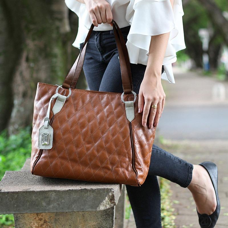 b4b2db03318 Bolsa Feminina De Couro Legitimo Shopper Miranda Caramelo - R$ 358,20 em  Mercado Livre