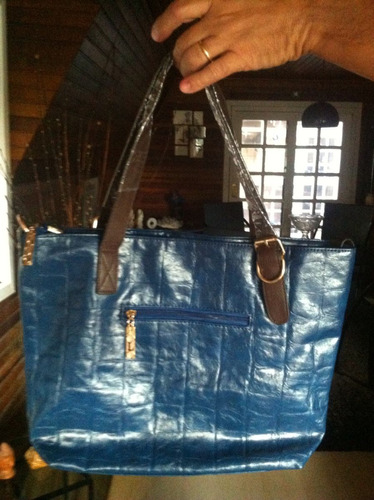 bolsa feminina envernizada azul c/ detalhe marrom/ w polo