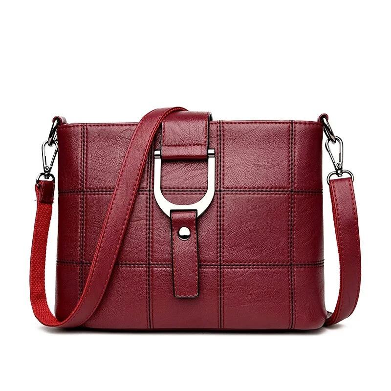 3909e4053 Bolsa Feminina Importada - Cor Vinho - R$ 190,00 em Mercado Livre