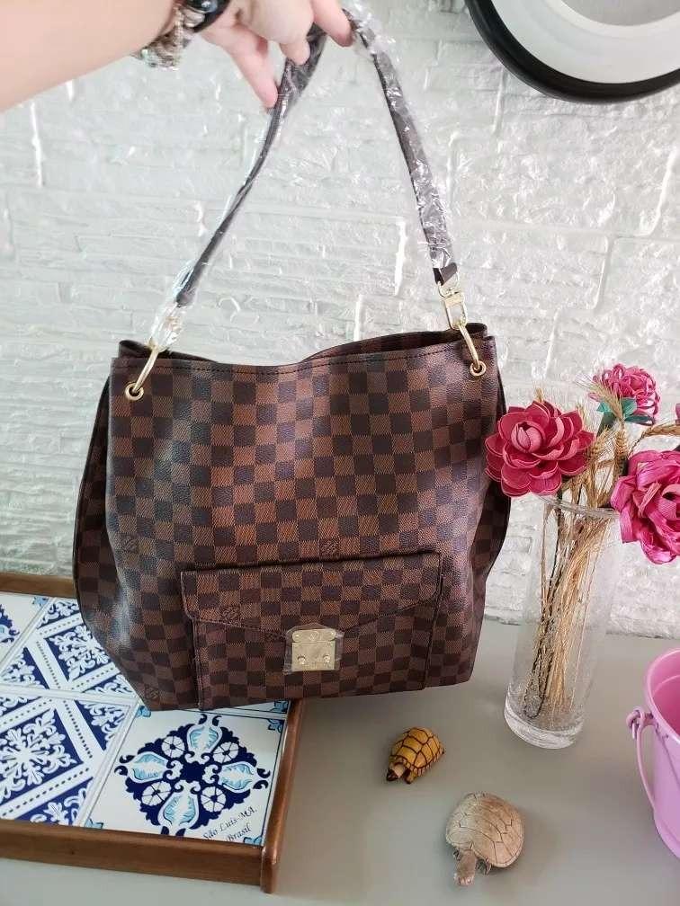 621fe97d9 Bolsa Feminina Louis Vuitton Grande Sacola - R$ 359,90 em Mercado Livre