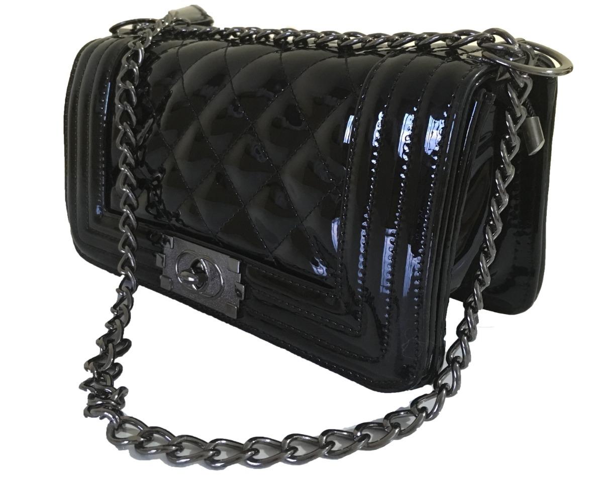 cadfc430a bolsa feminina pequena couro verniz tiracolo alça correntes. Carregando  zoom.