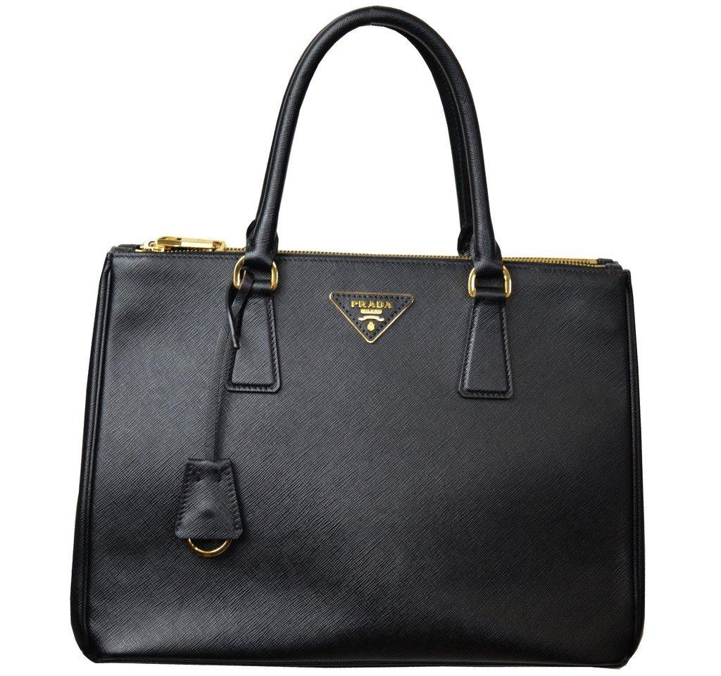 e16a96298 Bolsa Feminina Prada Black Verniz Legítima Couro 2019 - R$ 299,00 em ...