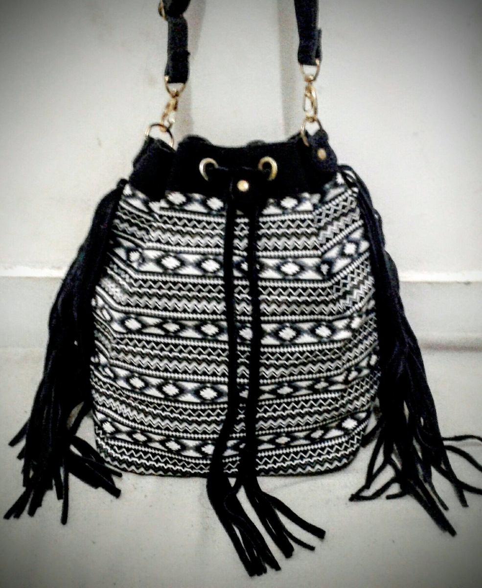 Bolsa Feminina Em Tecido : Bolsa feminina de franja modelo saco em couro e tecido