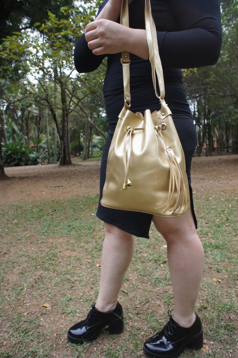 85ce5437c Bolsa Feminina Tipo Saco De Silicone Dourada - R$ 59,99 em Mercado Livre