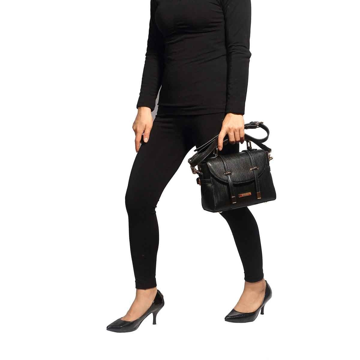 bolsa feminina tiracolo alça transversal preta macadâmia. Carregando zoom. 7ab5dc93b4b