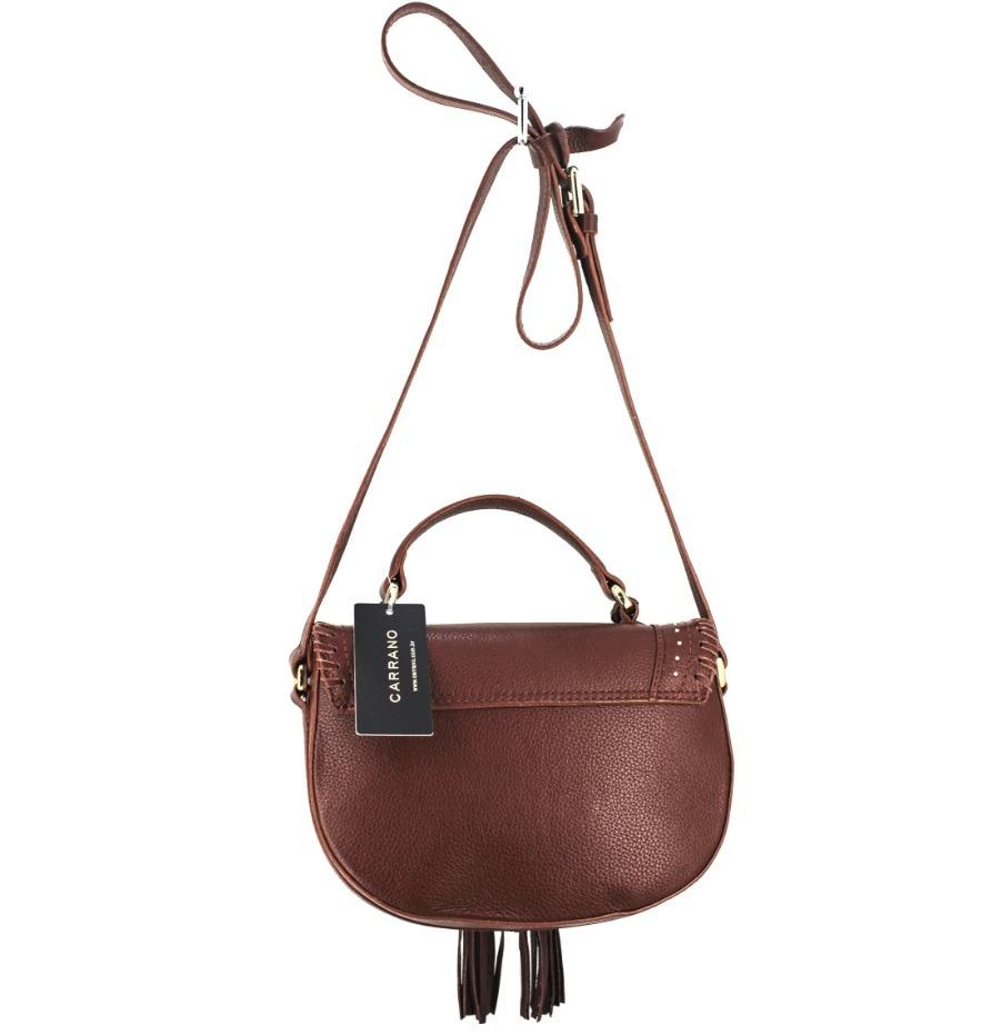 9381eab15 bolsa feminina tiracolo em couro com franja e tachas carrano. Carregando  zoom.