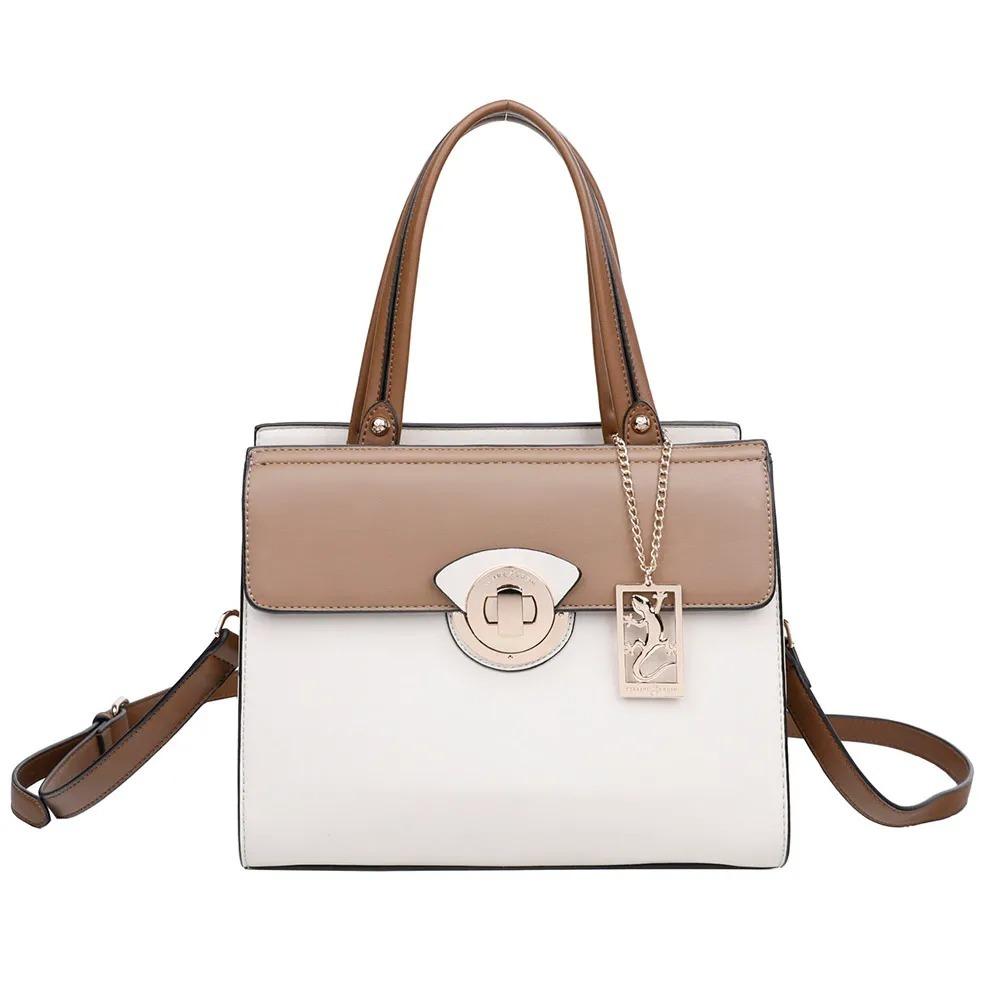734bbbef7 Bolsa Feminina Tiracolo Super Luxo Fellipe Krein - R$ 298,90 em ...