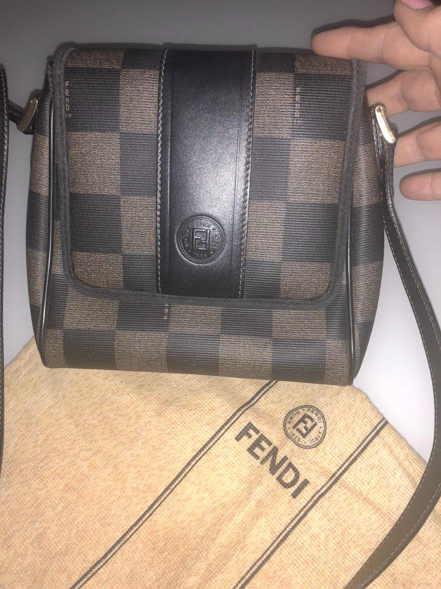 449eb1a79 Bolsa Fendi, Original, Maravilhosa - R$ 380,00 em Mercado Livre