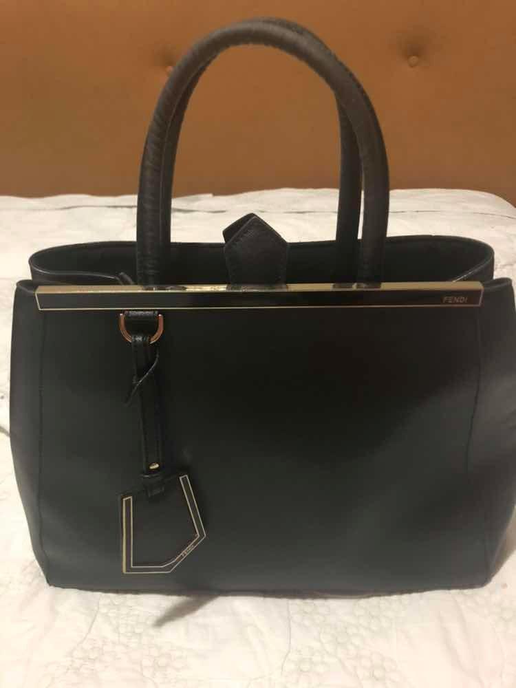 24509a182 Bolsa Fendi Tote De Couro '2jours' Original - R$ 4.000,00 em Mercado ...