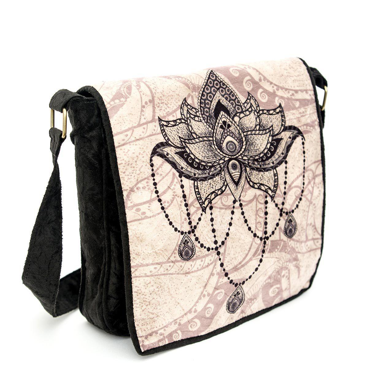 73cd40d21 bolsa flor de lotus capanga c/ tampa cabe caderno preta. Carregando zoom.