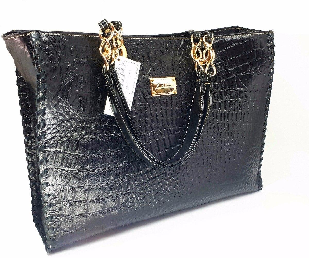 b5dd8597d bolsa grande couro legitimo preta com alça corrente dourada. Carregando  zoom.