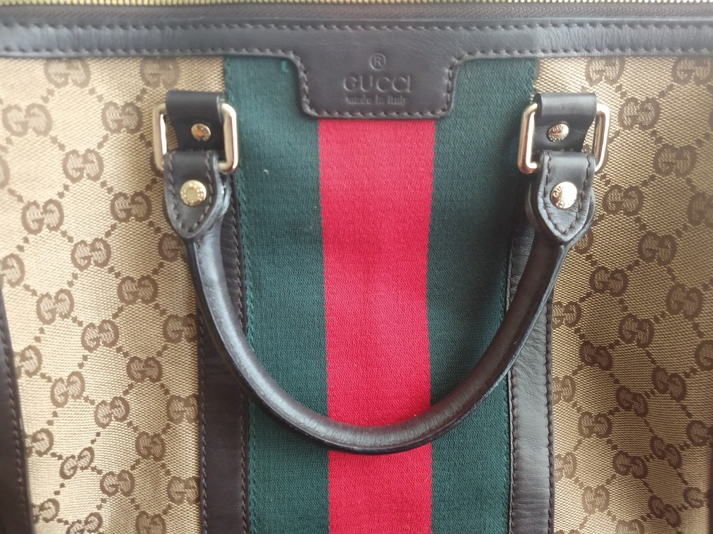 27c78d3e5 Bolsa Gucci Boston Monogram - $ 10,000.00 en Mercado Libre