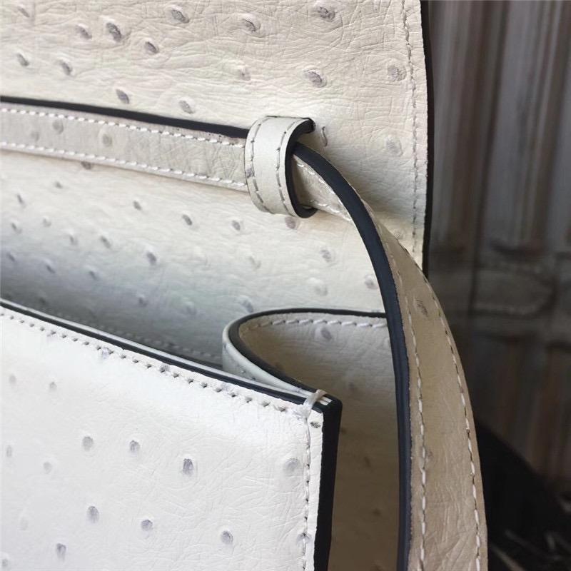 c6fb5323de6 bolsa gucci falena moth ostrich 100% couro original. Carregando zoom.