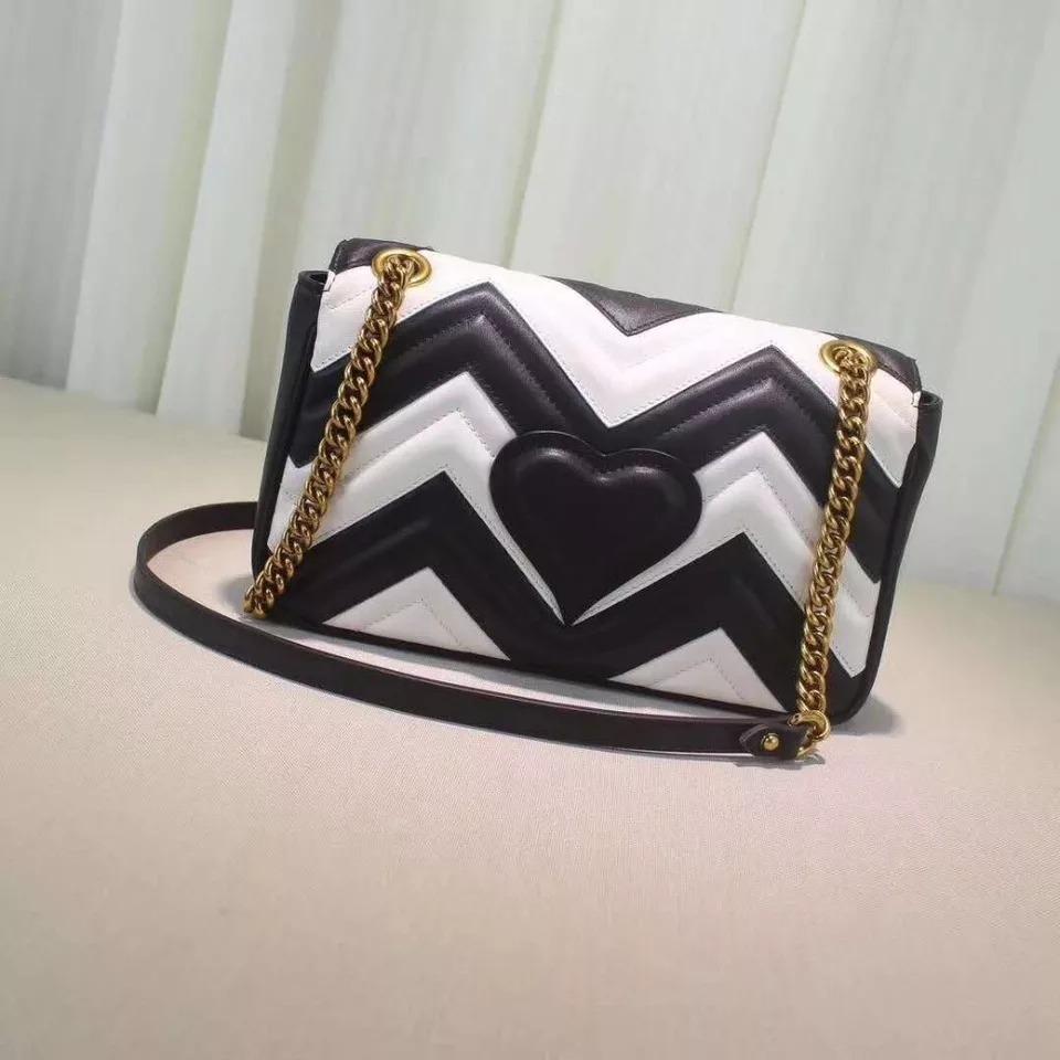 177f35f22 bolsa gucci marmont preta e branca grife moda feminina. Carregando zoom... bolsa  gucci feminina. Carregando zoom.