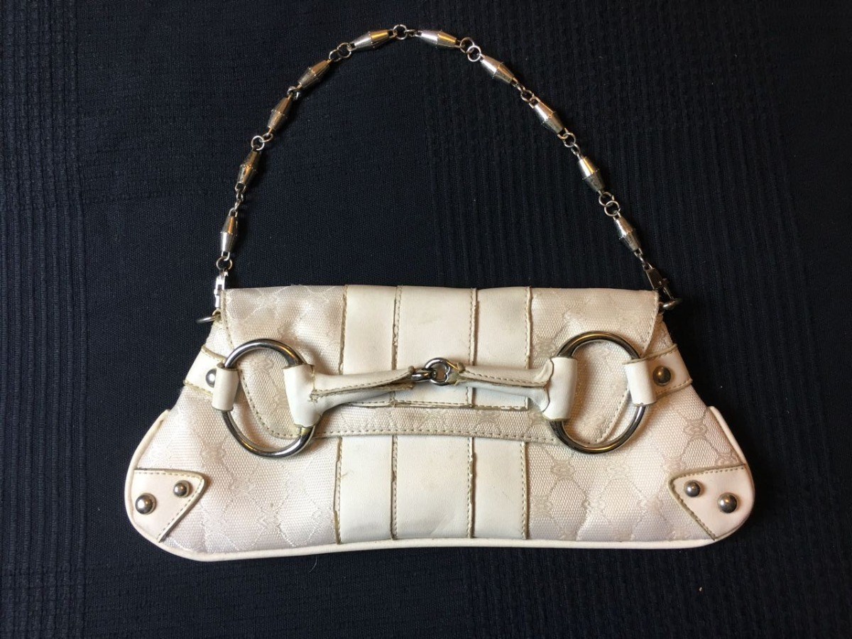 909bc4318 bolsa gucci - modelo clutch branca bolsa de tecido. Carregando zoom.