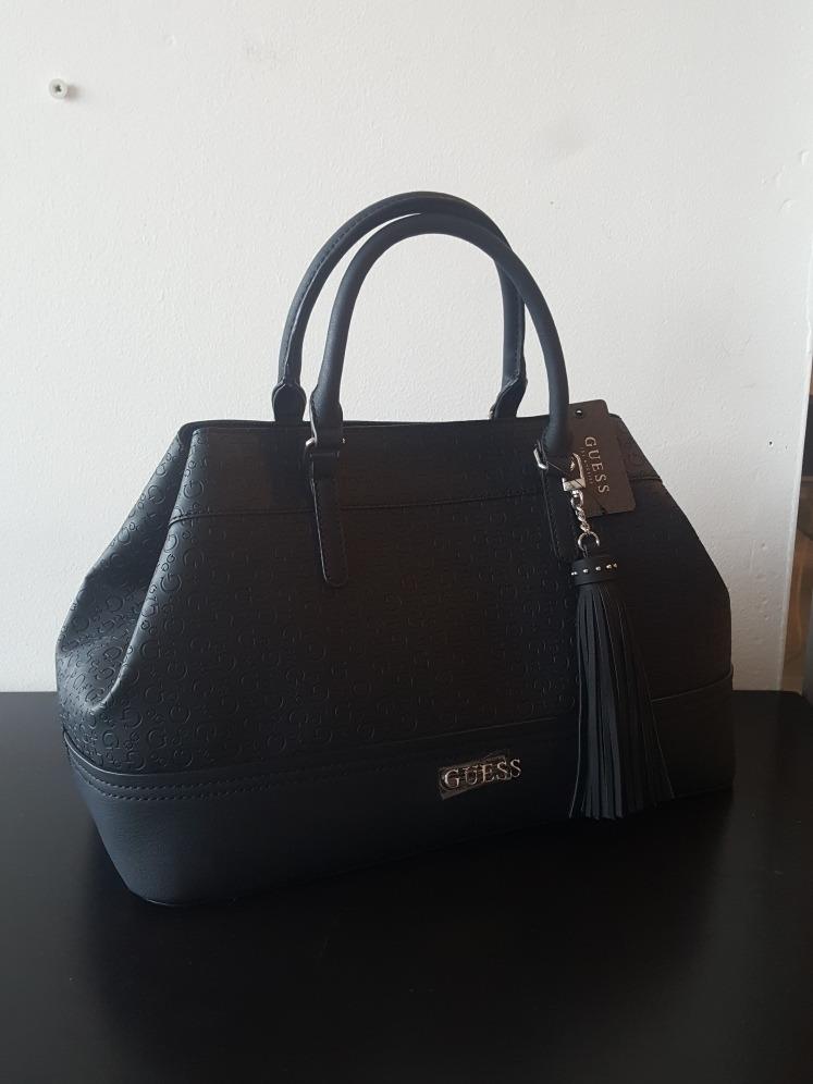 aef308a7 Bolsa Guess Negra Original Se660630 - $ 2,200.00 en Mercado Libre