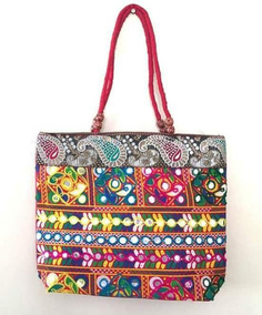 9c76f6f85 Bolsa Indiana De Tecido Com Bordados Em Pedrarias - Bolsas Femininas no  Mercado Livre Brasil