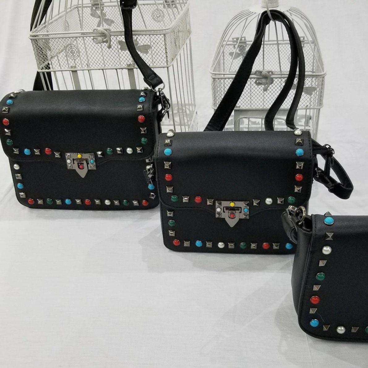 561904ea8 Bolsa Kit Com 3 Peças Feminina Inspired Valentino Taxas - R$ 180,00 ...