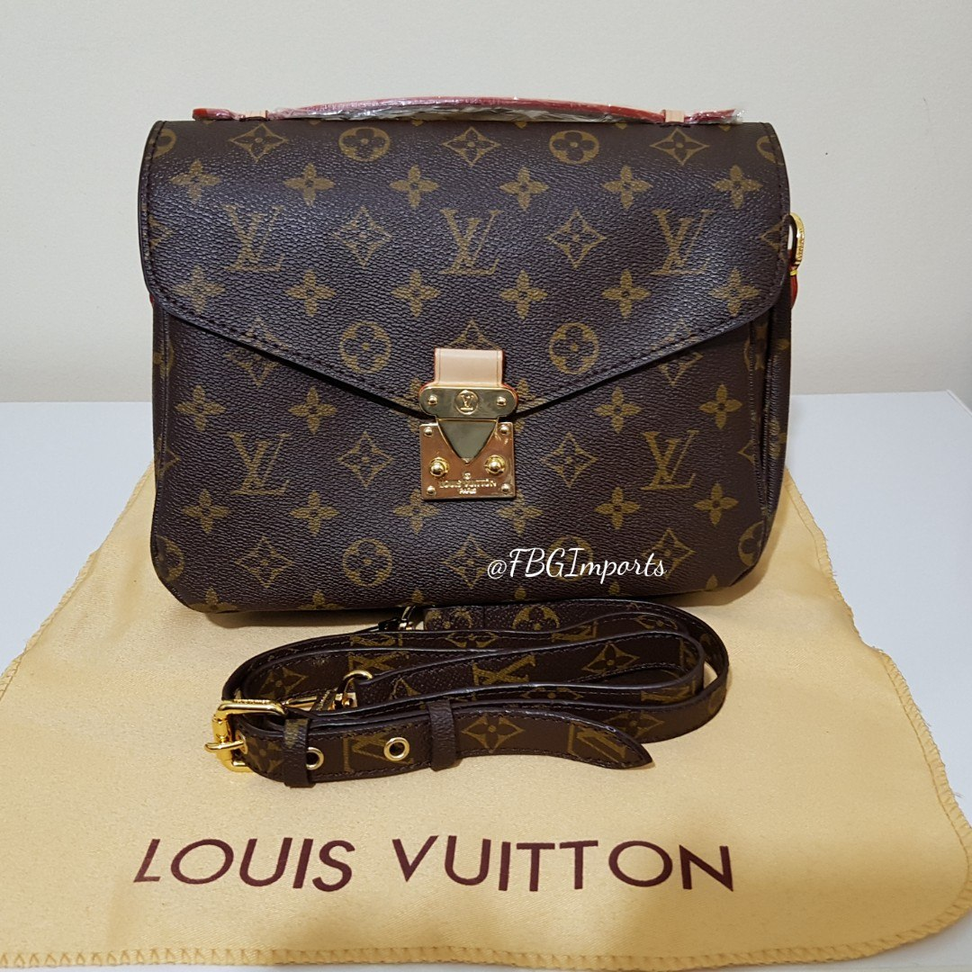 a303362bd Bolsa Louis Vuitton Pochette Metis - R$ 699,00 em Mercado Livre
