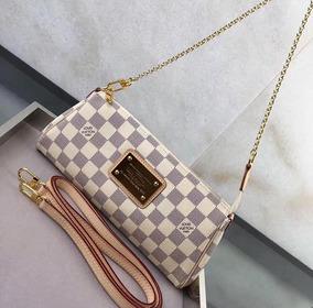 606a8b3bf Bolsa Eva Clutch Louis Vuitton - Bolsas de Couro Nude no Mercado ...
