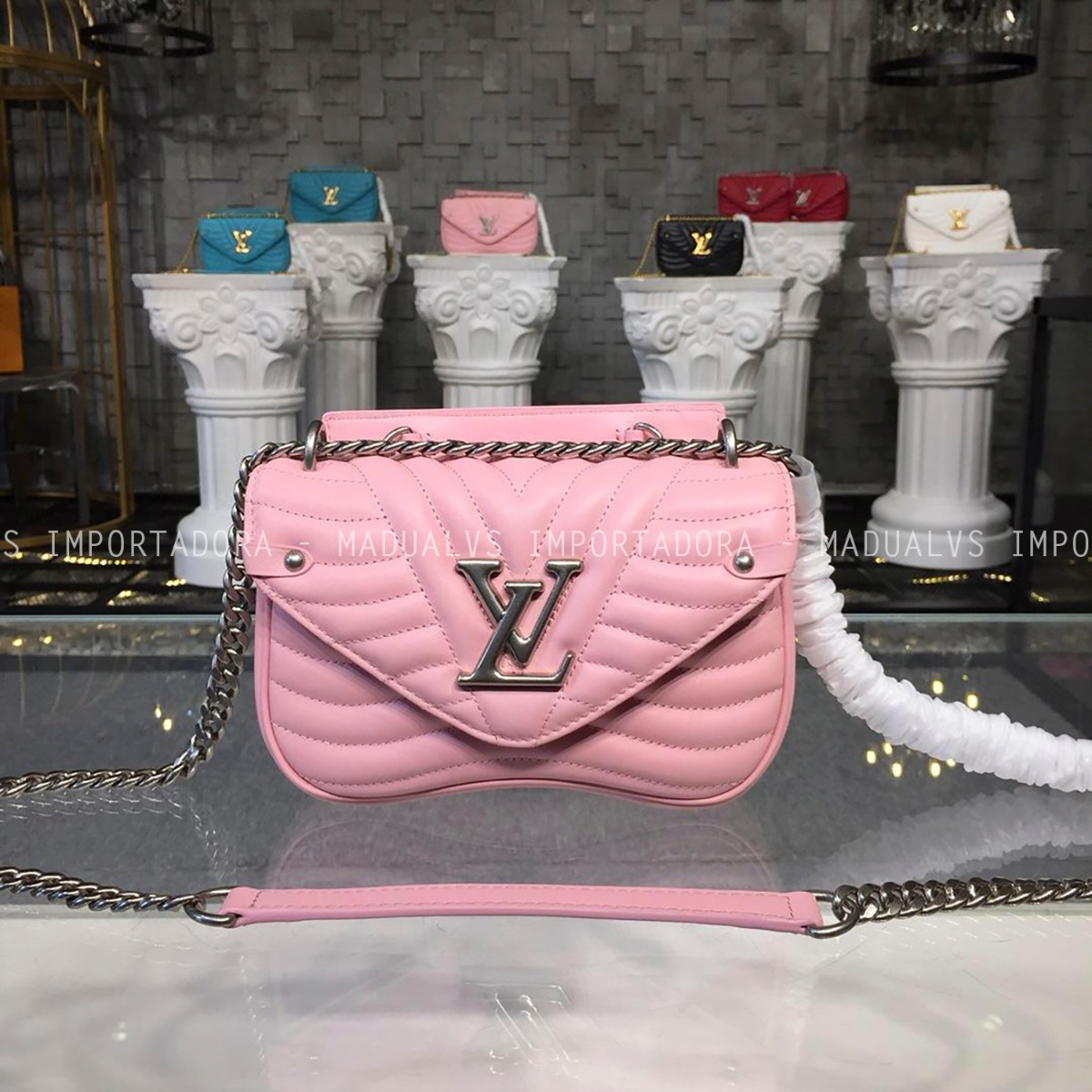 d5b0cf952 Bolsa Louis Vuitton New Wave Chain - Frete Grátis - R$ 1.190,00 em ...