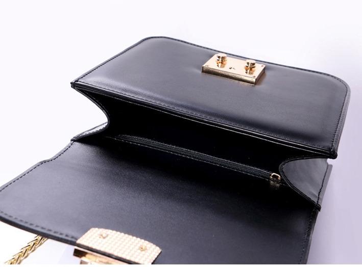 Bolsa Luxo Estruturada Inspiração Modelo Valentino - R  250 a7f078068df