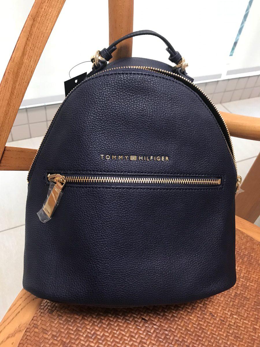 48e73cfd6 bolsa mochila azul marinho em couro original tommy hilfiger. Carregando zoom .