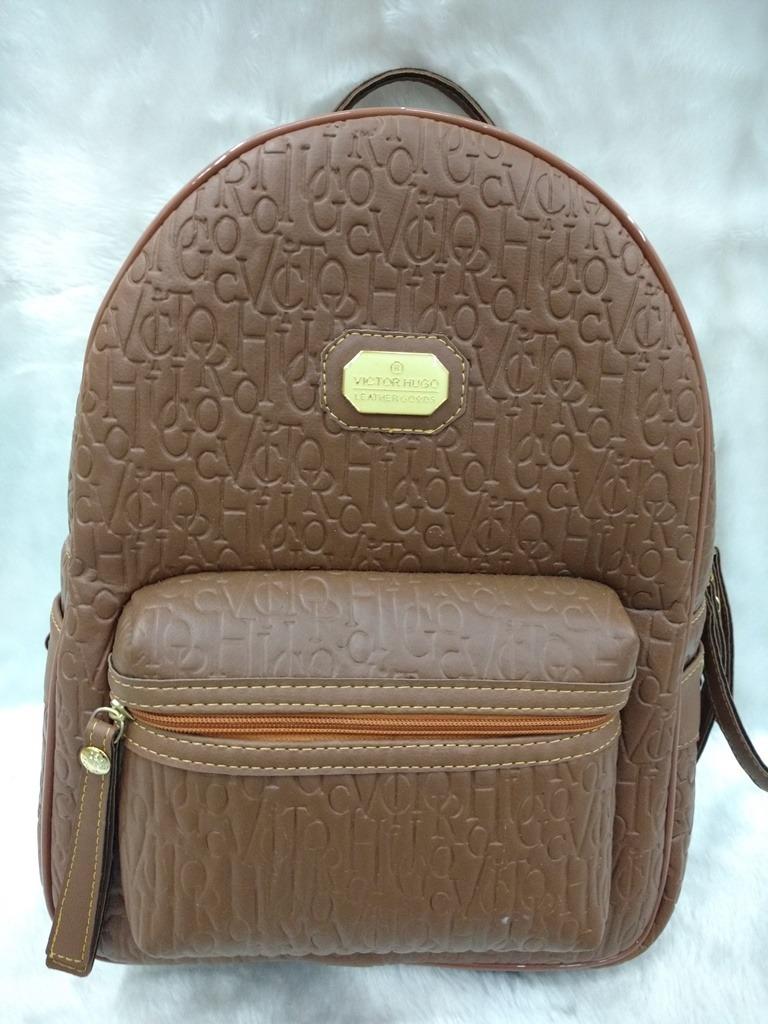 ca5cc748f bolsa mochila vitor hugo frequência marrom (com carteira). Carregando zoom.