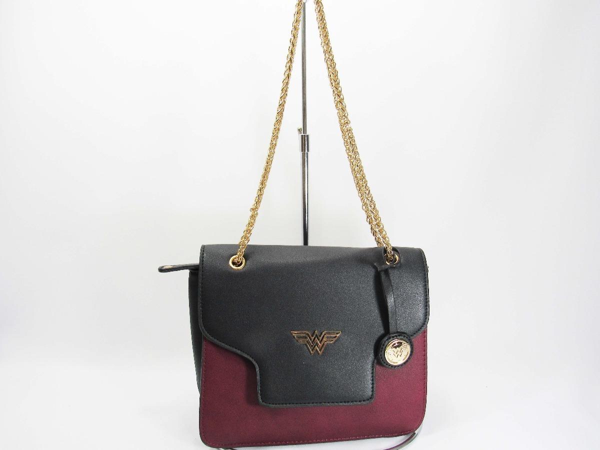 5de46f1c9 Bolsa Mulher Maravilha De Mao E Tiracolo Gash - R$ 121,99 em Mercado ...