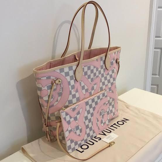 a12ff20d438 Bolsa Neverfull Louis Vuitton Tahitienne Mm Lv - R  899