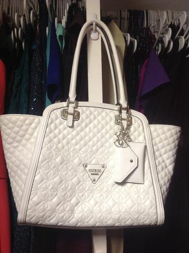 bolsa para dama  guess color blanco