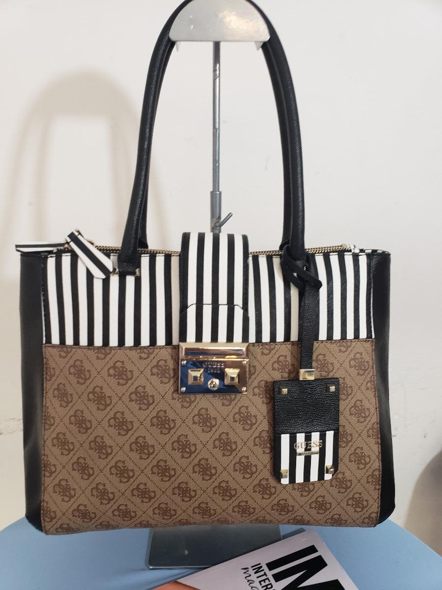6dc6fb67d bolsa para dama marca guess negra/kakhy rayas original usa. Cargando zoom.
