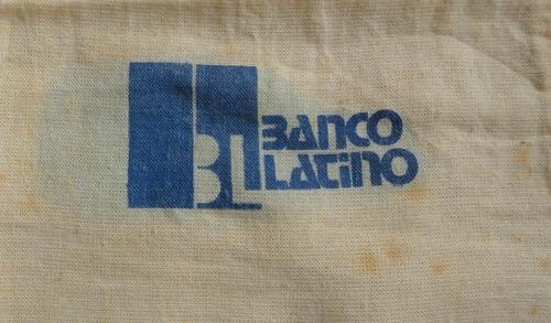 bolsa para monedas del banco latino