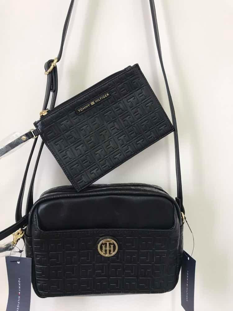 744e9e869 Bolsa Pequena Com Carteira/necessaire Tommy Hilfiger - R$ 290,00 em ...