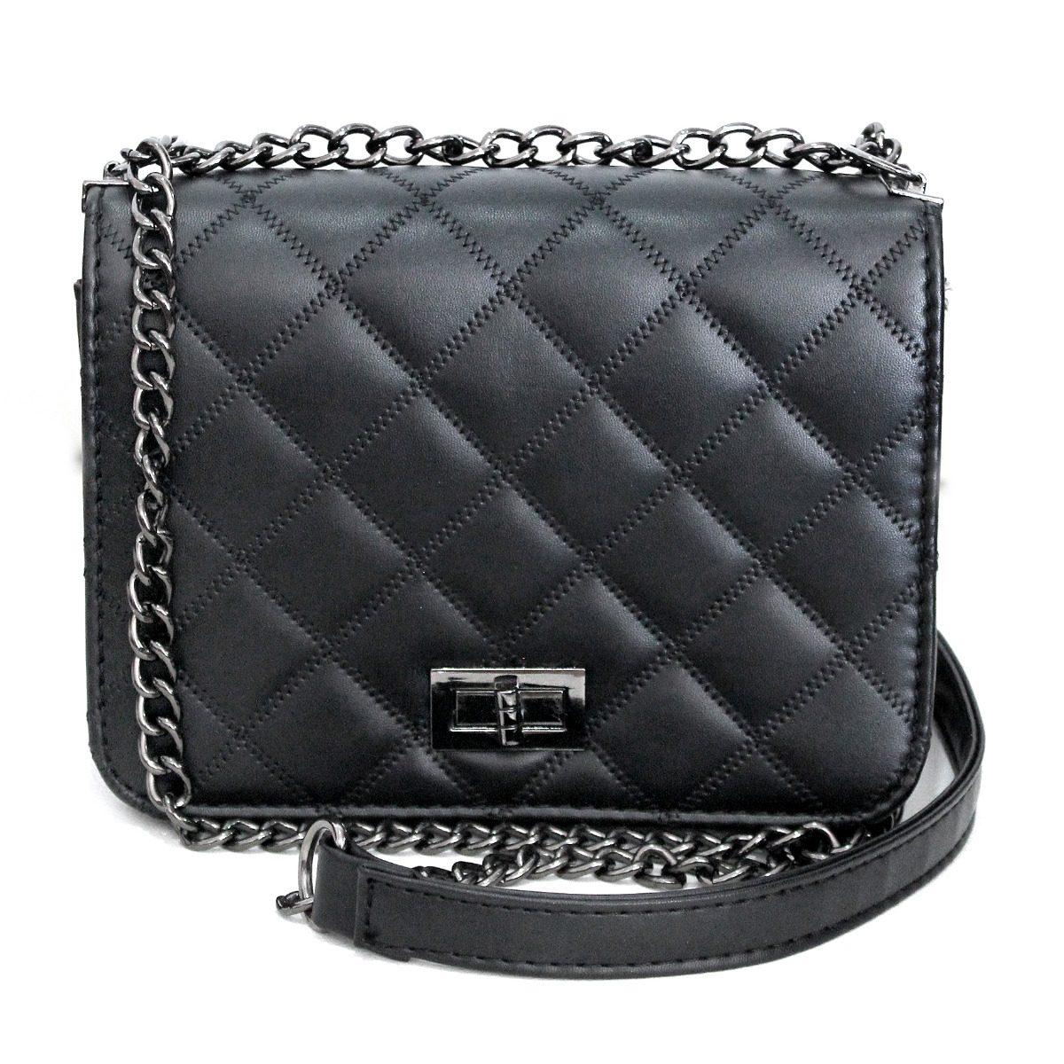 545754d1c bolsa pequena preta matelassê com alça de corrente prata. Carregando zoom.