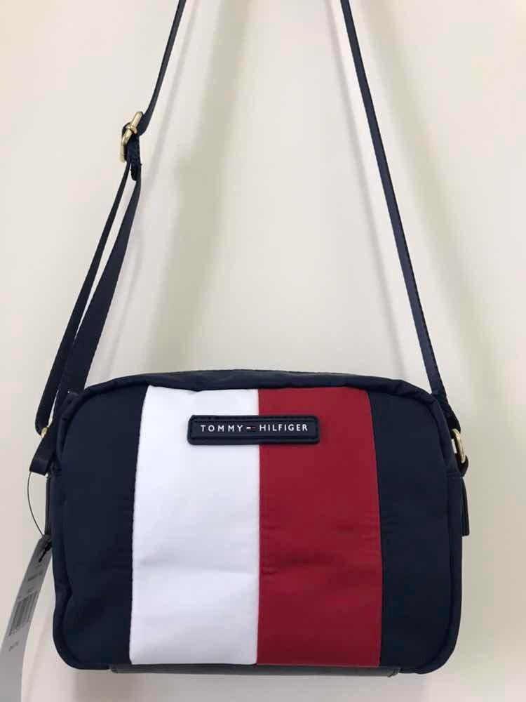 99980e82e Bolsa Pequena Tommy Hilfiger - R$ 298,90 em Mercado Livre