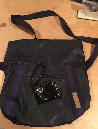bolsa puma negra con azul marino seminueva