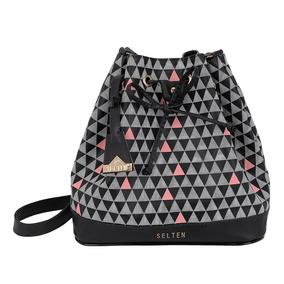 5a0979c4a Bolsa Saco Triangle - Calçados, Roupas e Bolsas no Mercado Livre Brasil