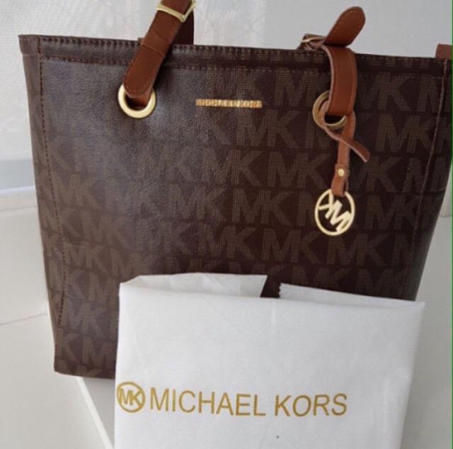 d009a827a Bolsa Sacola Michael Kors - R$ 150,00 em Mercado Livre