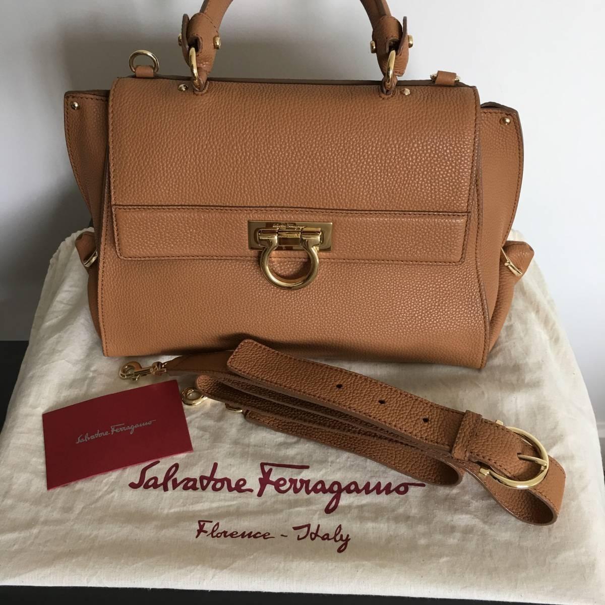 Bolsa Salvatore Ferragamo Modelo Sofia - R  8.500,00 em Mercado Livre db38f091cc