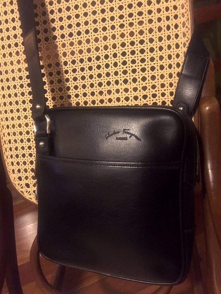 Bolsa Salvatore Ferragamo Original De Couro Masculina - R  1.950,00 ... 9d3cf22329