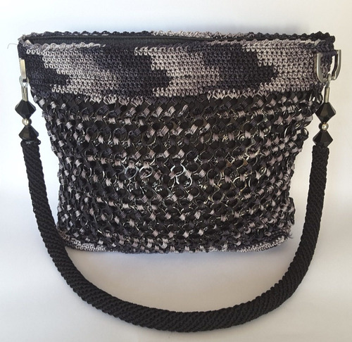 bolsa tejida con fichas de refresco hecha a mano