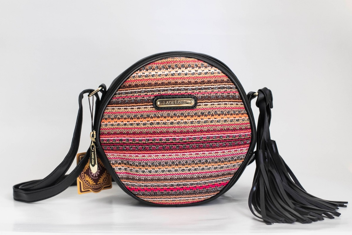 2623b67b3 bolsa tiracolo redonda coringa com frente em tecido colorido. Carregando  zoom.