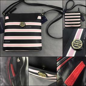 58968f7b3 Bolsa Crossbody Transpassada Listrada Rosa Tommy Hilfiger - Calçados ...